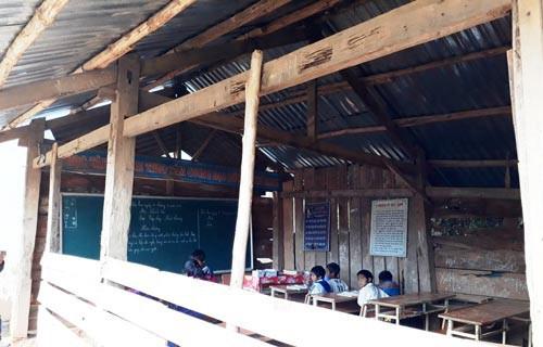 Trường lớp sập xệ, thầy trò bất an: Bộn bề ngành giáo dục Tu Mơ Rông