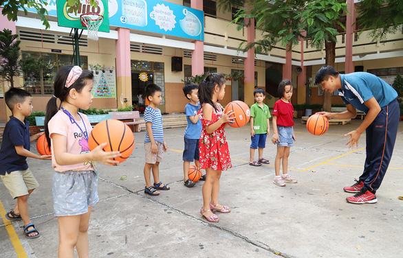 Học hè, chơi hè thời nay: Khi trường công 'nhập cuộc'
